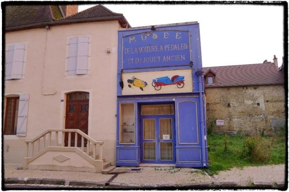 Le musée de la voiture à pédales et du jouet ancien in Chaource